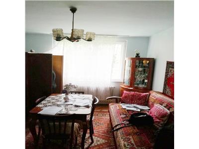 Apartament 3 camere decomandat zona Sala Sporturilor Plopilor