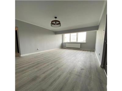 Apartament cu 3 camere renovat total in Manastur in zona Panemar