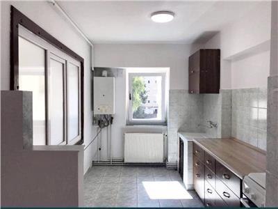 Apartament  3 camere decomandat etaj 3 Izlazului Mogosoaia Manastur