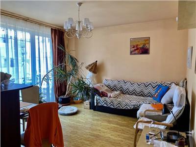 Apartament 2 camere, 3 balcoane, zona centrala in Floresti!
