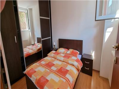 Apartament mobilat si utilat cu 2 parcari in bloc nou