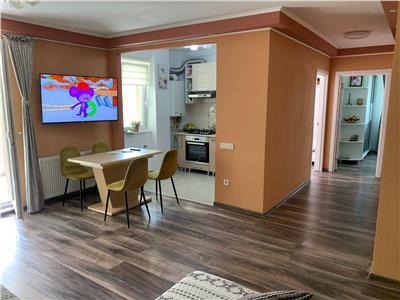 Apartament cu 3 camere, 2bai, terasa de 24 mp, parcare in Floresti!