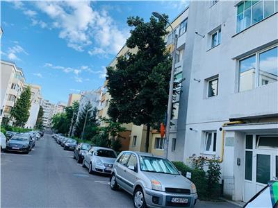 COMISION 0 ! Apartament cu 3 camere in Manastur, 2 bai,1/4 zona Omv!