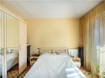 Apartament 2 camere confort marit, decomandat, zona centrala in Floresti!