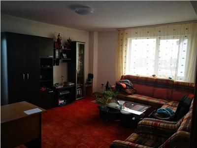 Apartament 2 camere, decomandat, in cartierul Zorilor