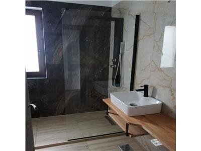 Apartament 3 camere finisat, bloc nou, cu terasa mare, zona Sub Cetate  Floresti!