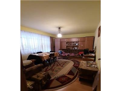 Apartament 3 camere in Cartier Manastur, Zona Putna