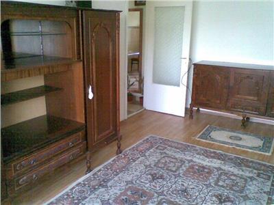 Apartament cu 2 camere, etaj 3/4 in cartierul Intre Lacuri !