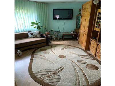 Apartament cu 2 camere in Marasti, decomandat, etaj 2/4 !