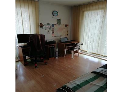 Apartament 2 camere, 3 balcoane, etaj intermediar!