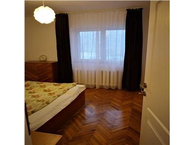 Apartament cu 3 camere, 2 bai, 2 balcoane in Manastur, zona Tasnad-Brates !