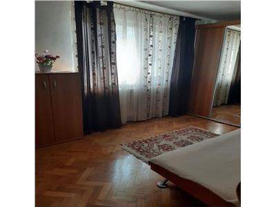 Apartament cu 3 camere in Manastur, zona Piata Flora !