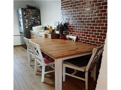 Apartament 3 camere, 2 balcoane in Cartier Intre Lacuri