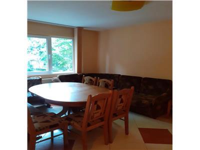 Apartament 3 camere, etaj intermediar, in Manastur