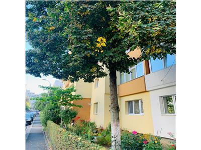 Apartament cu 3 camere,2 bai, 2 balcoane, etaj 1 Manastur !