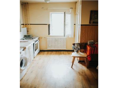 Apartament 4 camere, 2 bai, decomandat in Zorilor