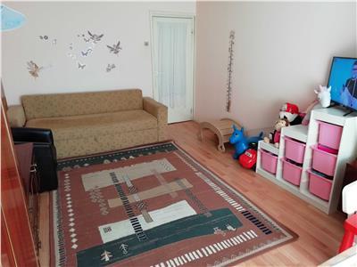 Apartament 2 camere, decomandat in Cartier Intre Lacuri