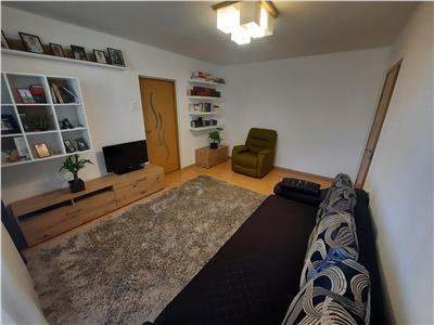 Apartament 3 camere, etaj intermediar in Manastur