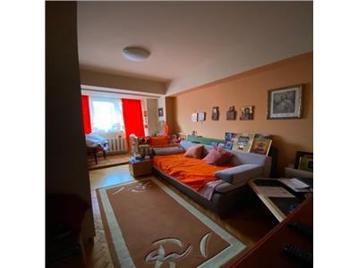 Apartament 3 camere, Ultracentral, zona Sora