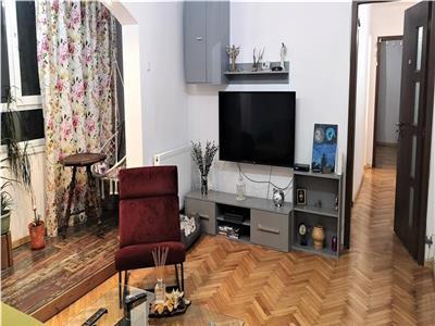 Apartament 3 camere, cu balcon in Manastur