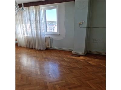 Apartament 4 camere, 2 bai, decomandat in Manastur