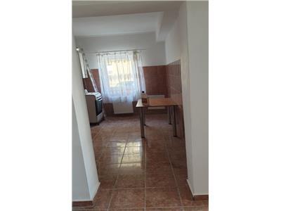 Apartament 2 camere decomandat, zona strazii Florilor in Floresti!