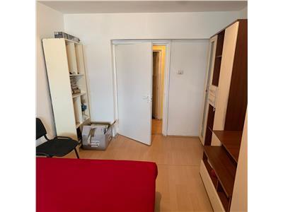 Apartament cu 3 camere, 2 bai, etaj intermediar in Marasti !