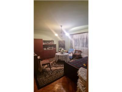 Apartament 2 camere in Manastur, zona Piata Flora
