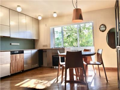 Apartament 5 camere, 2 bai, 2 balcoane in Manastur