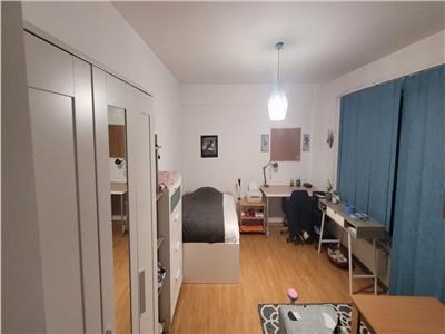 Apartament cu 1 camere , 37 mp, 3/5 bloc nou, zona Motilor !