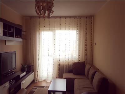Apartament decomandat cu 3 camere zona Titulescu