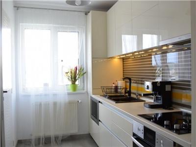 Apartament 4 camere decomandat finisat lux zona Nora
